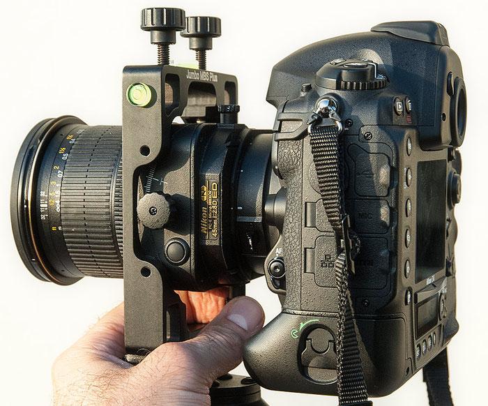 Test: Agno's Jumbo MBS Plus. Bedienung der Shift-Verstellung mit digitaler Spiegelreflexkamera Nikon D4 und Shift/Tilt PC-E 45 mm 1:2,8 D ED, Foto: bonnescape