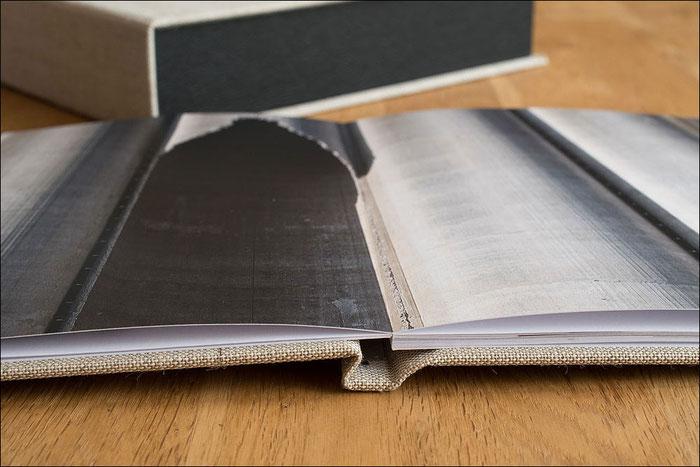 Test: SAAL Digital Professional Line Fotobuch. Planlage im Bund durch Leporellobindung. Foto: bonnescape.de