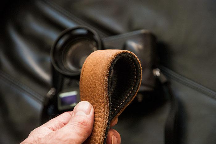 Erfahrungsbericht EDDYCAM-Kameragurte: Zweilagiger 50mm-Gurt mit dicker Polsterung. Foto: bonnescape