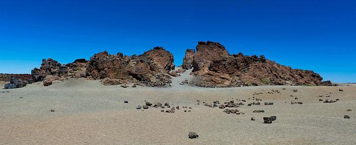 Felsformation bei El Portillo im Teide-Nationalpark. Landschaftsfoto mit Leica M9 und 35 mm Zeiss Biogon. Foto: Klaus Schoerner