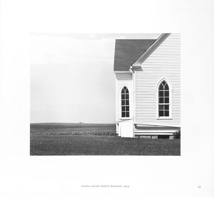 """Church, Saline County, Missouri, 1974"", David Plowden, ""IMPRINTS"", Seite 33"