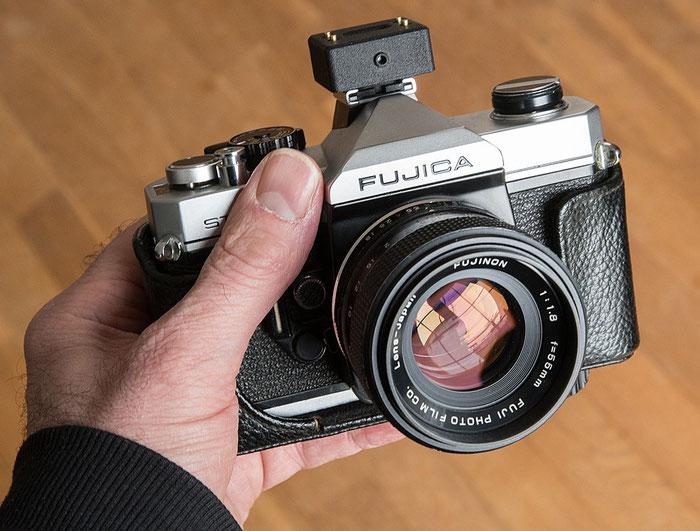Aufsteck-Belichtungsmesser V102 im Test auf einer Fujica S705. Foto: bonnescape