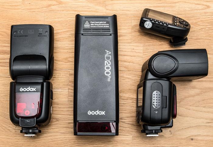 Größenvergleich des Godox AD200Pro mit TT685 und Xpro, Foto: bonnescape.de