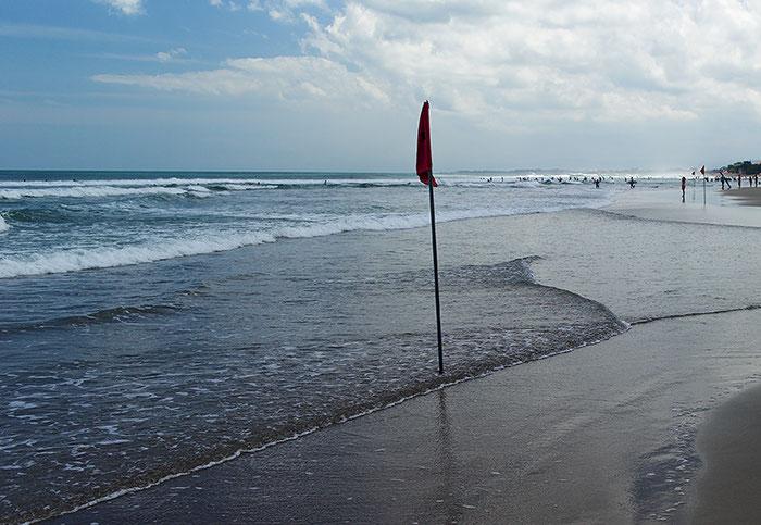 Test: Strandszene Bali ohne Verlauffilter mit entsprechend hohem Hell-Dunkel-Kontrast zwischen Vorder- und Hintergrund, Foto: Dr. Klaus Schoerner