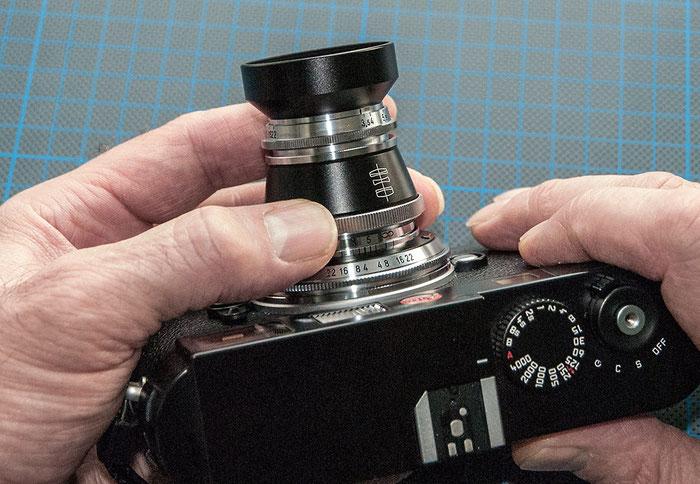 Praxistest Voigtländer Heliar 3,5/50 mm VM, Bedienung von Blendenring und Fokussierring, Foto: Klaus Schörner
