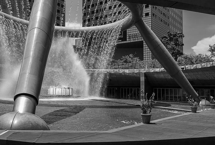 Reisefotografie: Fountain of Wealth, Suntec City, Singapore. Nikon D200. Tokina 12-24 mm. Foto: Dr. Klaus Schoerner
