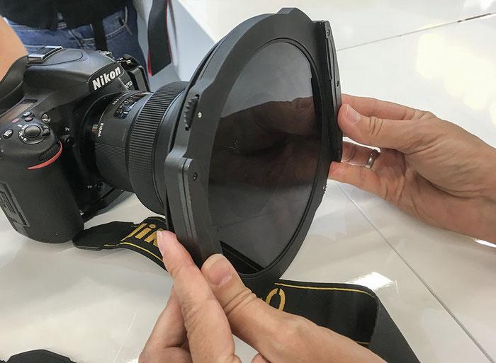Photokina-Neuheit: Verbesserter Filterhalter mit Zahnradbedienung von Haida für 150mm series Polfilter und Verlaufsfilter, Foto: bonnescape