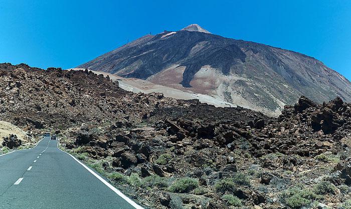 Landstrasse TF-21 durch den Teide-Nationalpark. Landschaftsfoto mit Leica M9 und 35 mm Zeiss Biogon. Foto: Klaus Schoerner