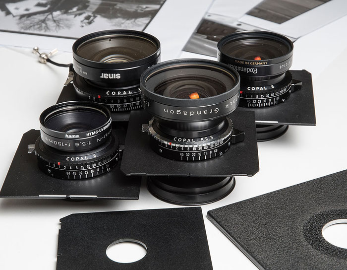 Großformatobjektive, jeweils in COPAL-Verschluss, Größen 0, 1 und 0.0, Foto: bonnescape