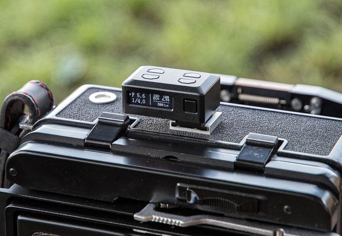 Aufsteck-Belichtungsmesser KEKS EM01 im Test mit einer WISTA 45 SP Großformatkamera. Foto: bonnescape