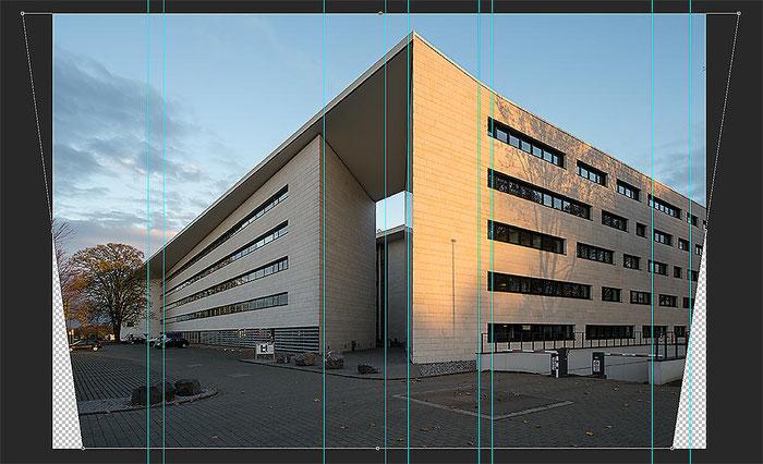 Praxis-Test Architekturfotografie: Perspektivkorrektur per Shift oder Photoshop? Foto mit AF-S NIKKOR 14–24 mm 1:2,8G ED bei 24 mm. Korrekturprozess. Foto: Klaus Schoerner