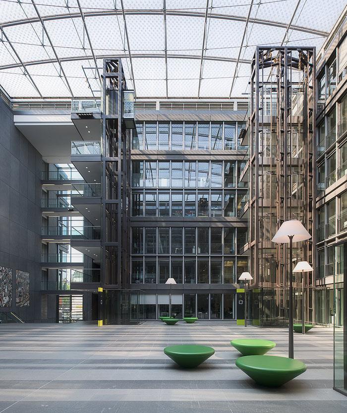 NIKON D850, PC-E 24 mm 1: 3,5. Westgate Köln. Foto: Dr. Klaus Schörner. Architekt: HPP Hentrich-Petschnigg & Partner. Gebäudeeigentümer: MEAG
