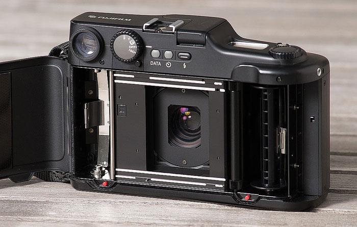 Test FUJIFILM GA645W Professional Wide, analoges Mittelformat, Blick ins Innere. Foto: bonnescape
