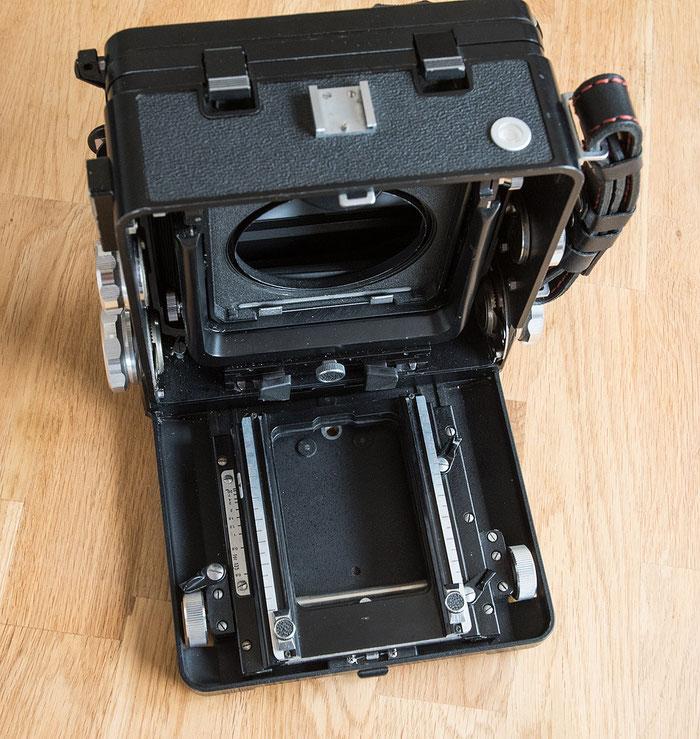 Großformatkamera Wista 45 SP, Laufboden mit eingefahrener Standarte. Foto: Bonnescape.de