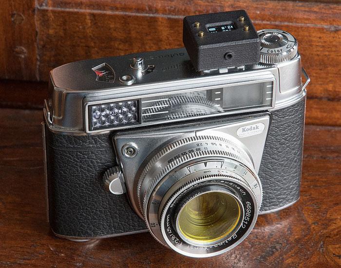 Praxistest: Aufsteck-Belichtungsmesser V102 auf einer Kodak Retina. Foto: bonnescape