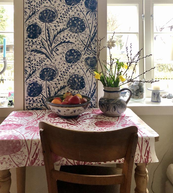 MEDUSE ist eine handgedruckte Tapete and der Tapetenmanufaktur Print Garden. MEDUSE is a hand printed wallpaper. hangedruckte Tapete aus Hamburg.