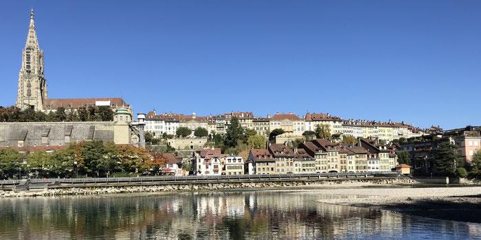 Bern - Blick auf Münstplattform und Altstadt.