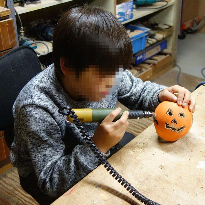 子供の造形教室 ミニルーター加工