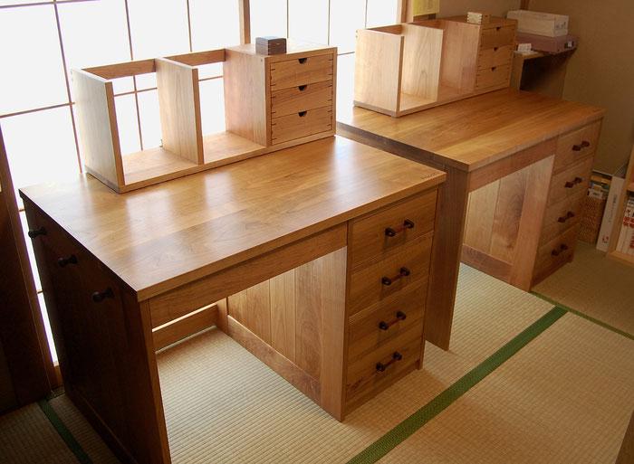 桜材の框組学習机(真鶴町・N様邸)