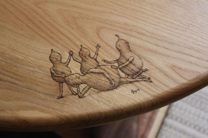 そら豆ダイニングテーブル ひょうたんビトの絵(さいたま市・I様邸)