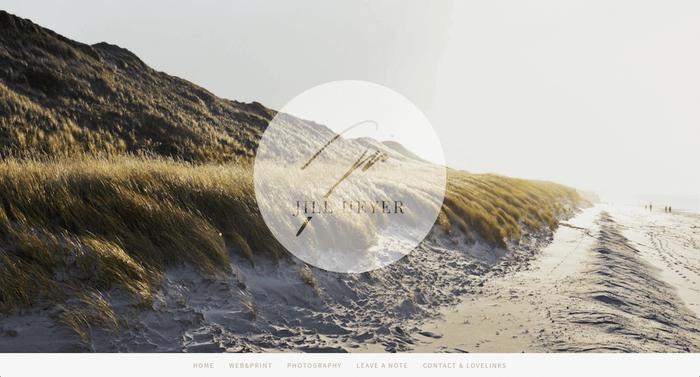 Jills Webseite besticht durch klares Design und wunderbare Bilder.