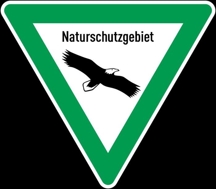 Schild eines Naturschutzgebietes (Quelle: Sponk, Public domain, via Wikimedia Commons)