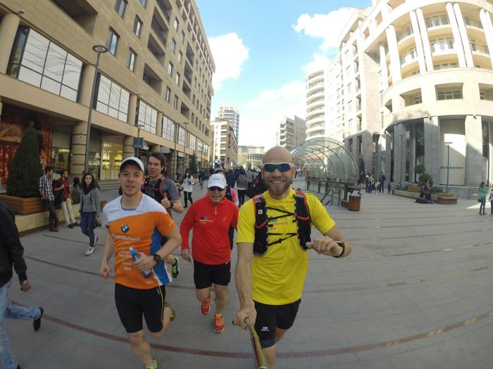 Gemeinsam mit einer Laufgruppe von FIT Sporturlaub in Jerewan (Armenien)