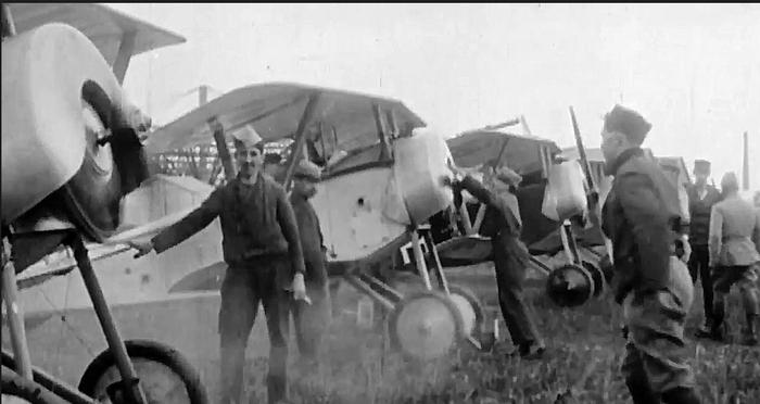 Document 5_ avions utilisés par l'escadrille La Fayette, source: Film sur l'escadrille La Fayette de B. Léon, Ministère de la Défense, DMPA