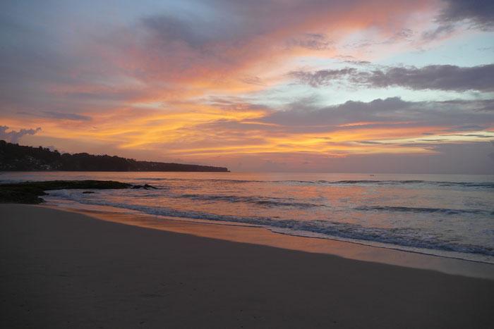 Sonnenuntergang am Dreamland Beach, Bali. Uluwatu.