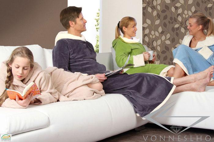 Wellnessbademantel Bademante für Spa und Wellness extra lang mit Kapuze