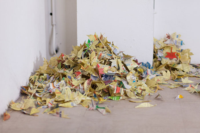 Foglie Gialle/Yellow Leaves - Yellow Pages, variable size, 2013/14.