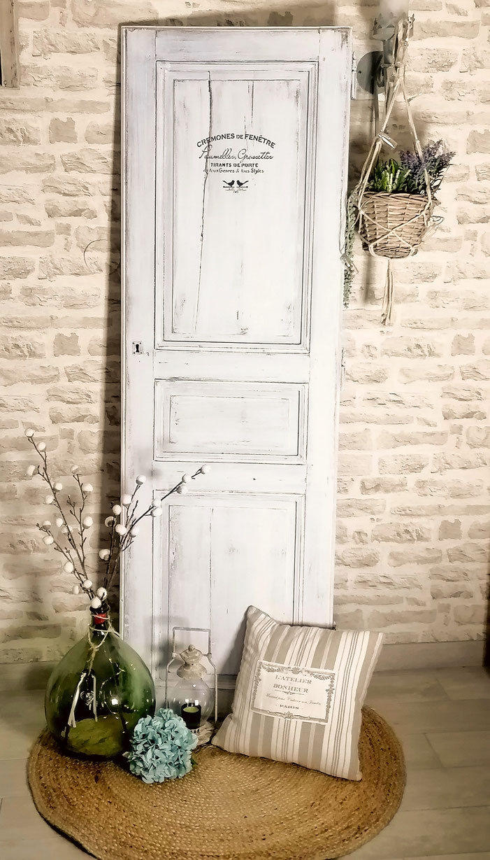ancienne vieille porte armoire shabby chic campagne usée