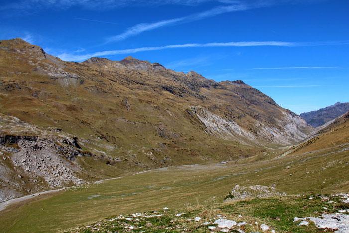 Le Pla d'Ailhet dominé par le Piméné.