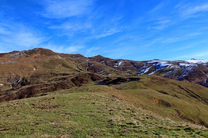 Panorama ver l'Est (avec le Soum de Grum et le Col de l'Aubisque).
