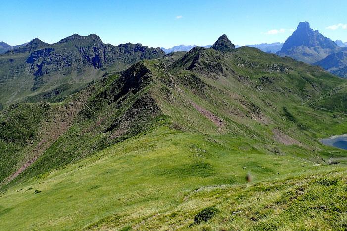 Le Col d'Audas (2195m) par lequel je descendrai vers le lac.
