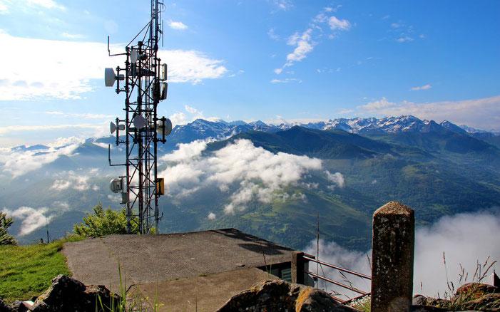 Le Pibeste (1349m) et son antenne.