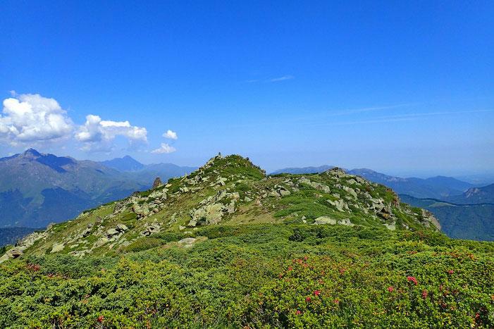 Le Montious (2171m) est en vue.