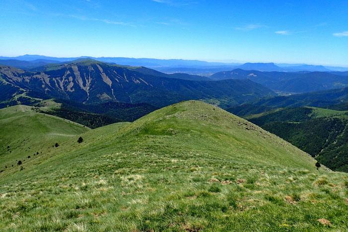 Panorama Sud, on devine légèrement à gauche le Tozal de Oturia (fait en juin 2016)