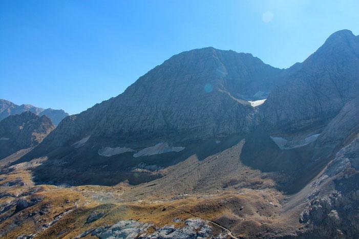 Le Tallion et à droite le Gabiétous (3101m).