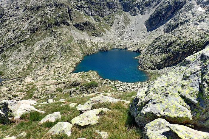 Le Lac Estelat Supérieur se dévoile à nouveau.