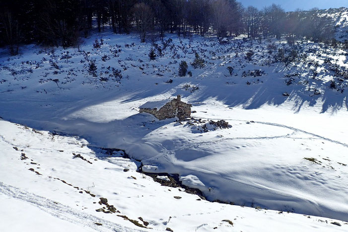 La dernière cabane (1430m).