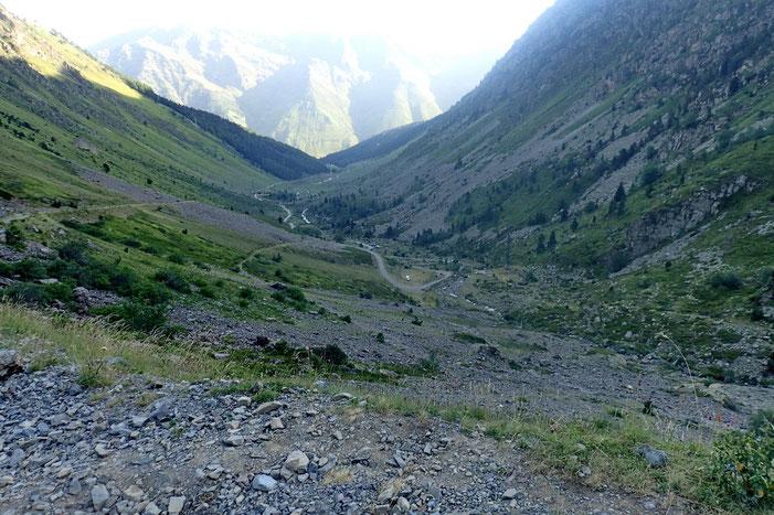 Après quelques minutes de marche, vue sur la vallée.