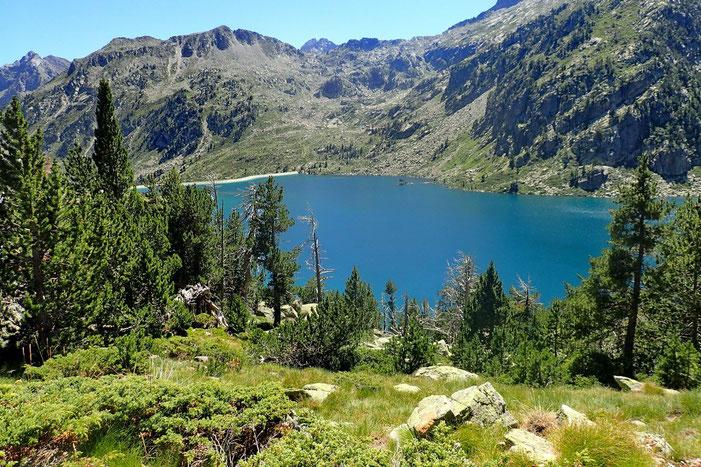 Le Lac d'Aubert et son barrage.