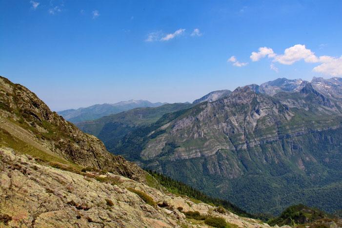 Et à l'Est, la Vallée d'Ossau.