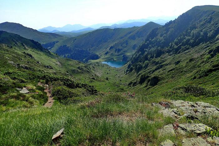 Avec une belle vue sur le lac de Bareilles.