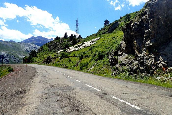 Un peu de route goudronnée et des moutons espagnols.