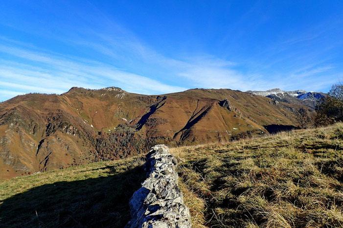 A Nord, le Pic d'Auzu et le Turon de Luzé fait récemment.