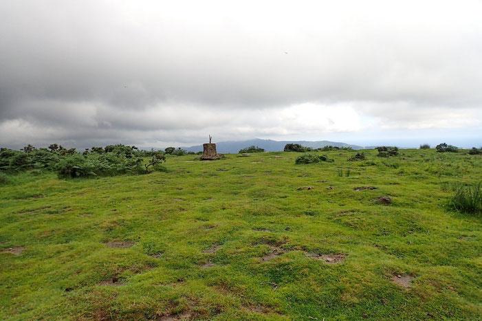 Voilà la borne matérialisant ce sommet (Xoldoko Gaina) 486m.