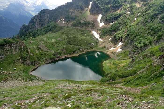 Très joli petit lac. Mais le temps se couvre...