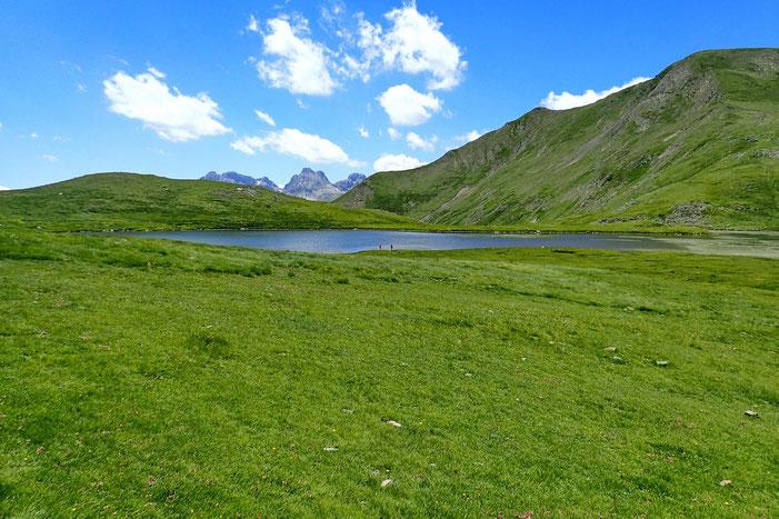 Un petit tour du lac avant la descente vers Astun.